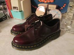 Dr. Martens Women's Vegan  Casual Oxford Shoes Size 7 US Aw5
