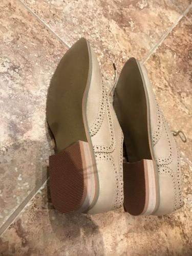 New Women's Oxford Flats Size 7.5 Color Beige