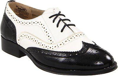 Wanted Shoes Oxford Rounded Lace