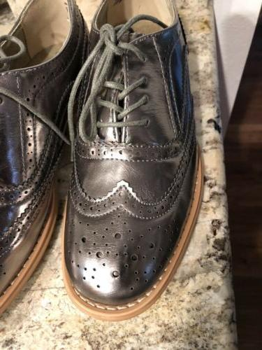 Women's Oxford Silver 8.5 NEW no lace up