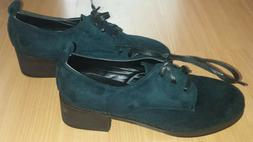 Women's Shoes Size 8 -BRAND NEW OXFORD SHOES -NEVER WORN